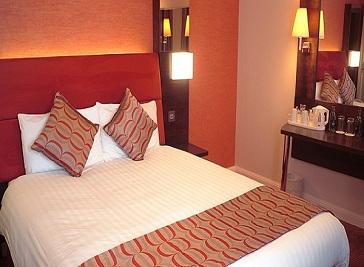 Dragon Hotel in Swansea
